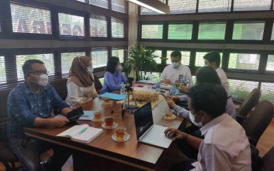 Direktur Perumdam Tirta Senentang Dr. Jane E. Wuysang, MT bersama staf, Bappeda Sintang dan Dewan Pengawas melakukan koordinasi ke Balai Prasarana dan Permukiman Wilayah Kalimantan Barat, Deva Kurniawan Rahmadi beserta jajaran